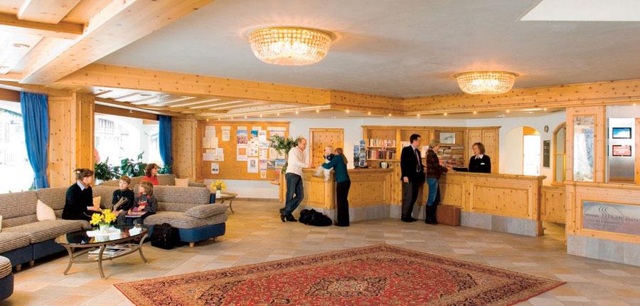 Hotel Silvretta Park, Klosters, Graubünden, Switzerland - reception area.jpg